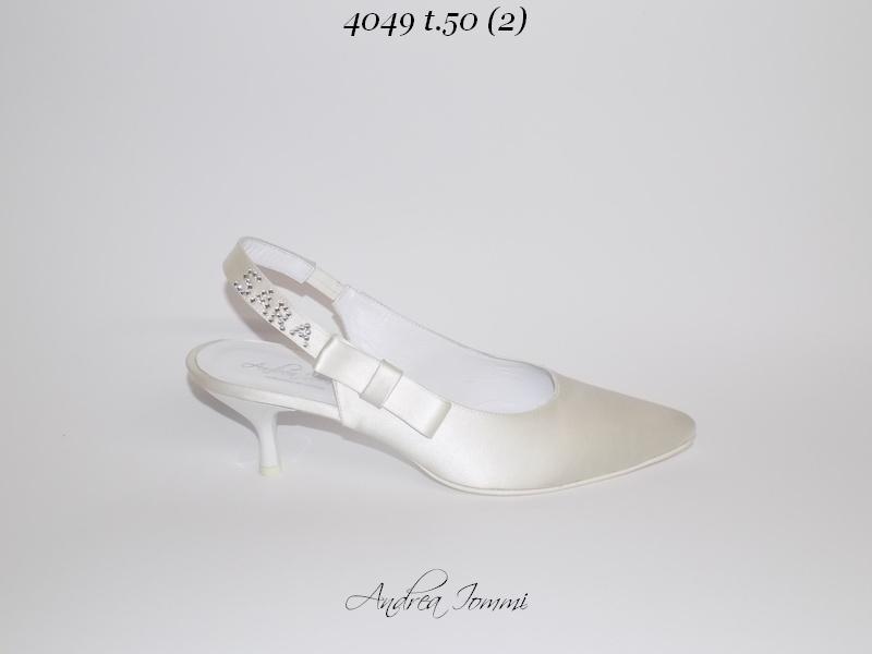 scarpe da sposa a punta chiusa con tacco basso