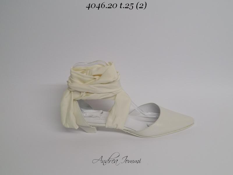 scarpe da sposa a punta con tacco basso