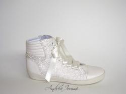Sneaker con microperline